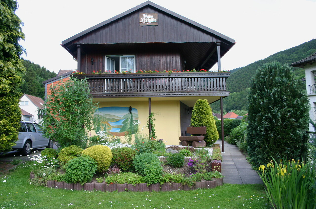 Gartenansicht auf den Balkon der Ferienwohnung